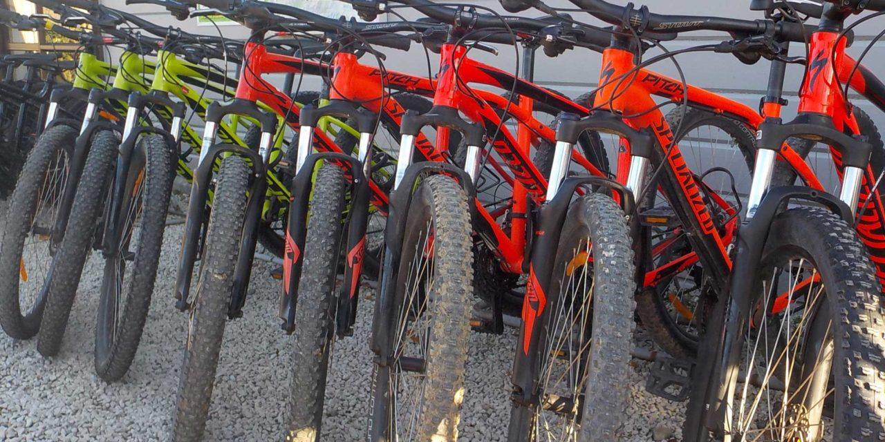 https://www.hanmeradventure.co.nz/wp-content/uploads/2020/08/mountain-bike-hire-1280x640.jpg