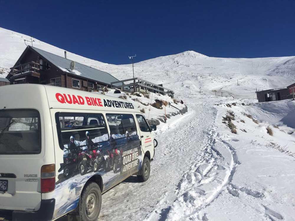 Shuttle to Hanmer Springs ski field